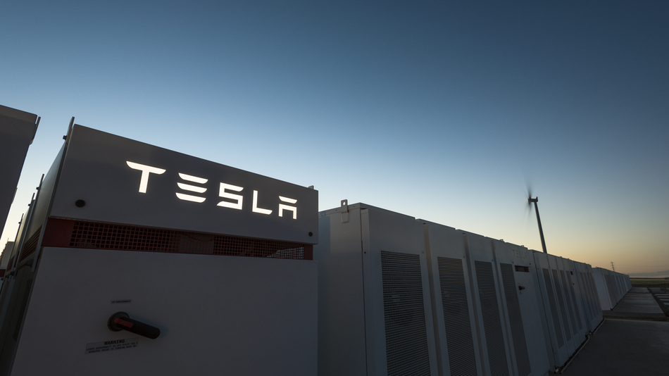 Tesla Pulls It Off – The World's Biggest Battery is Go!