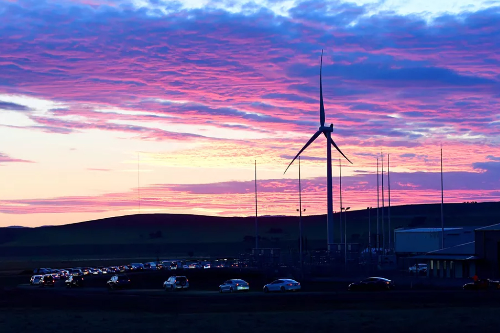 Tesla to Help Build Virtual Power Plant in South Australia