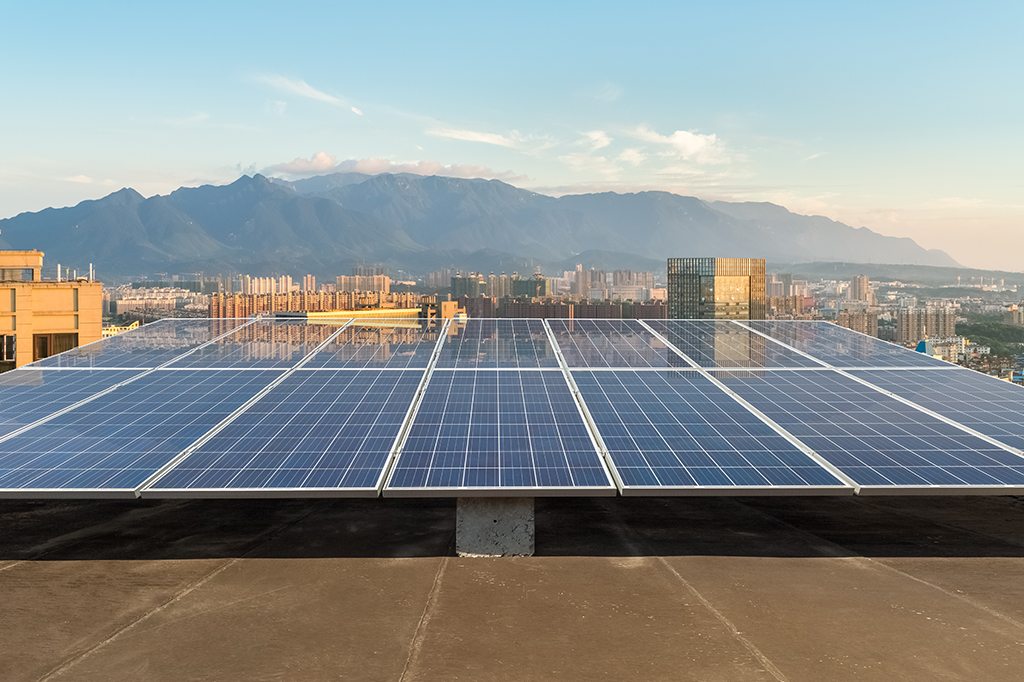 The Larger the Better for Rooftop Solar Systems