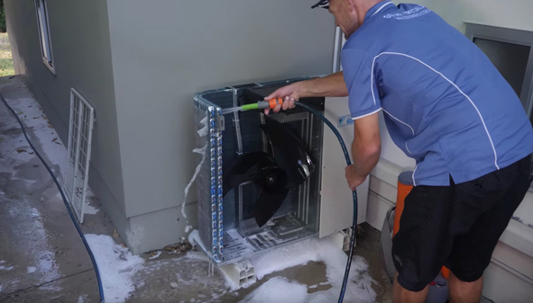 cleaning aircon
